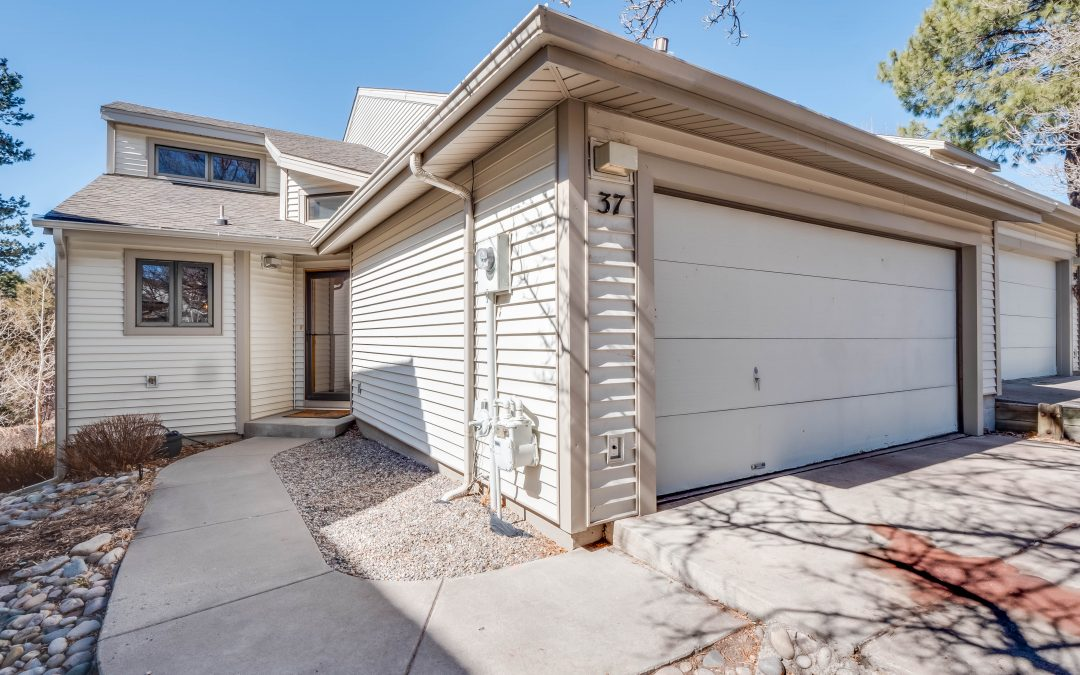 Uptown condo on the Canyon! – 37 Los Arboles Drive, 4Bd 3.5 Bath, 3,150 SF – Listed At $499,000